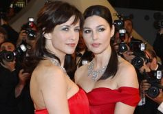 1-cast-members-marceau-and-bellucci-arrive-on-the-red-carpet-for-the-screening-of-the-film-ne-te-retourne-pas-at-the-62nd-cannes-film-festival_222