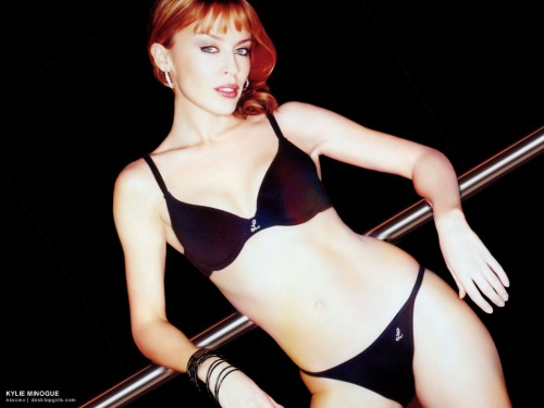 Kylie_Minogue_11270140841PM456-1