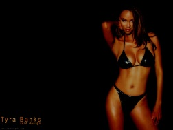 Tyra_Banks_1090050346PM246
