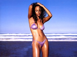 Tyra_Banks_490160239PM497