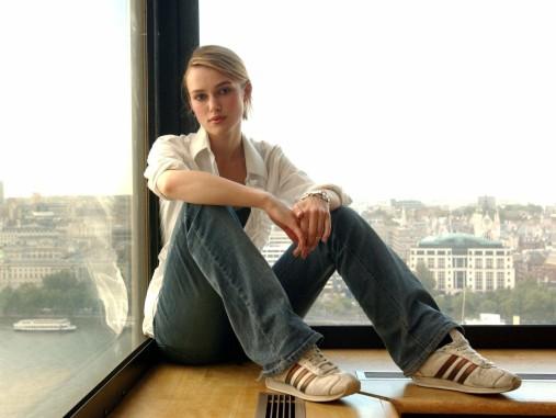 www.girls-hq.com_412_keira_knightley