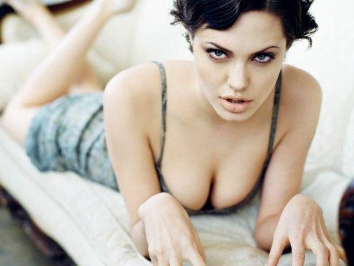www.girls-hq.com_451_angelina_jolie