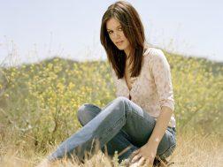 www.girls-hq.com_458_rachel_bilson