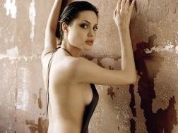 www.girls-hq.com_551_angelina_jolie