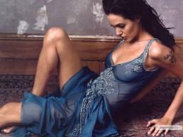 kinopoisk.ru-Angelina-Jolie-155132_1024