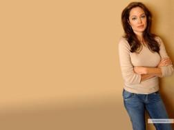 kinopoisk.ru-Angelina-Jolie-237508_1024
