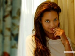 kinopoisk.ru-Angelina-Jolie-427501_1024