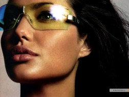 kinopoisk.ru-Angelina-Jolie-427529_1024