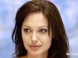 kinopoisk.ru-Angelina-Jolie-427922_1024