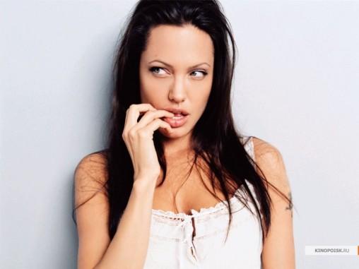 kinopoisk.ru-Angelina-Jolie-428492_1024