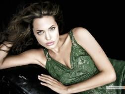 kinopoisk.ru-Angelina-Jolie-428892_1024