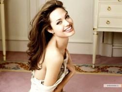 kinopoisk.ru-Angelina-Jolie-469742_1024