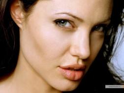 kinopoisk.ru-Angelina-Jolie-498900_1024
