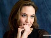 kinopoisk.ru-Angelina-Jolie-722851_1024