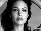 kinopoisk.ru-Angelina-Jolie-855243_1024