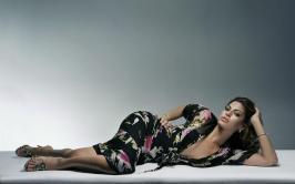 Eva Mendes (90)