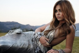 miley cyrus 2011 hot pics