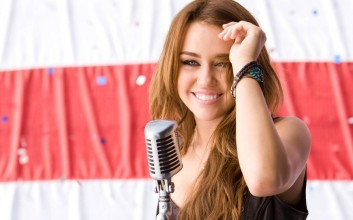 miley-cyrus-wallpaper-9