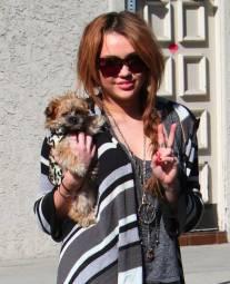 Miley-Cyrus_COM_4